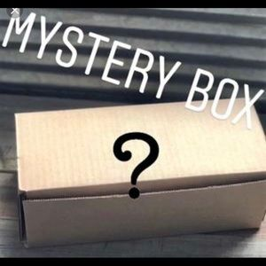 Resellers mystery box plus size 5 lbs 10 pieces